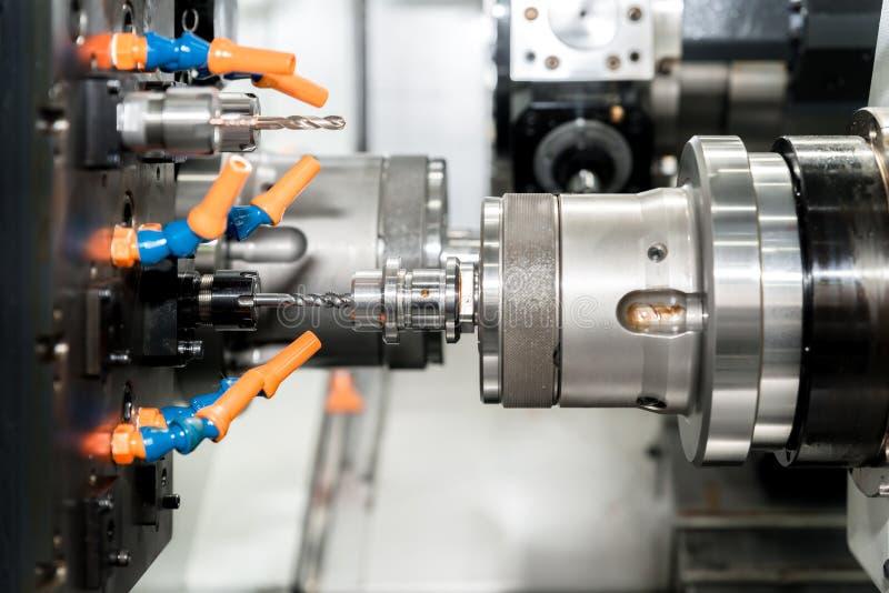 O molde fazendo à máquina do operador e morre peça para w industrial automotivo imagem de stock