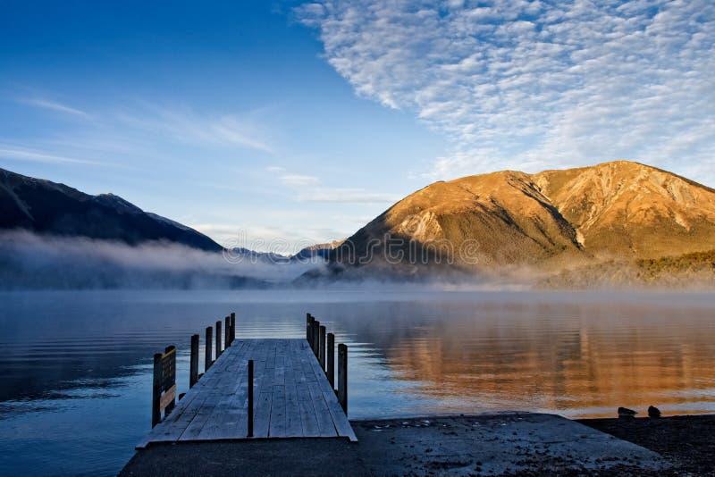 O molhe no lago Rotoiti, Nelson Lakes National Park imagem de stock royalty free