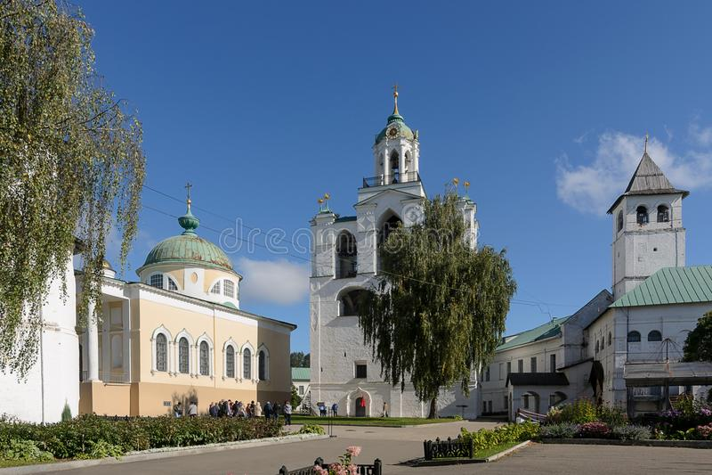O monastério de Spaso-Preobrazhensky Yaroslavl, Rússia fotografia de stock