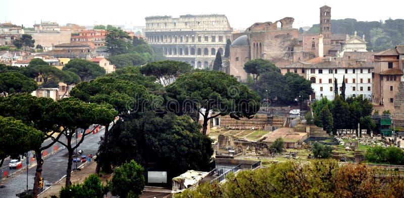 O monte & o Colosseum de Palatine imagens de stock