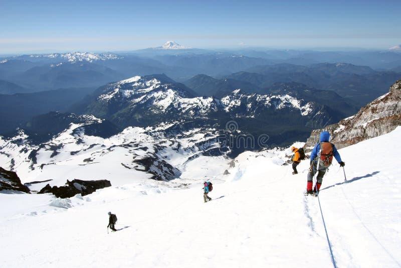 O Monte Rainier (14.410 ft ) são o vulcão o mais alto e a montanha glaciated a maior no Estados Unidos contíguo fotos de stock