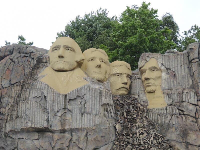 O Monte Rushmore, por LEGO imagens de stock