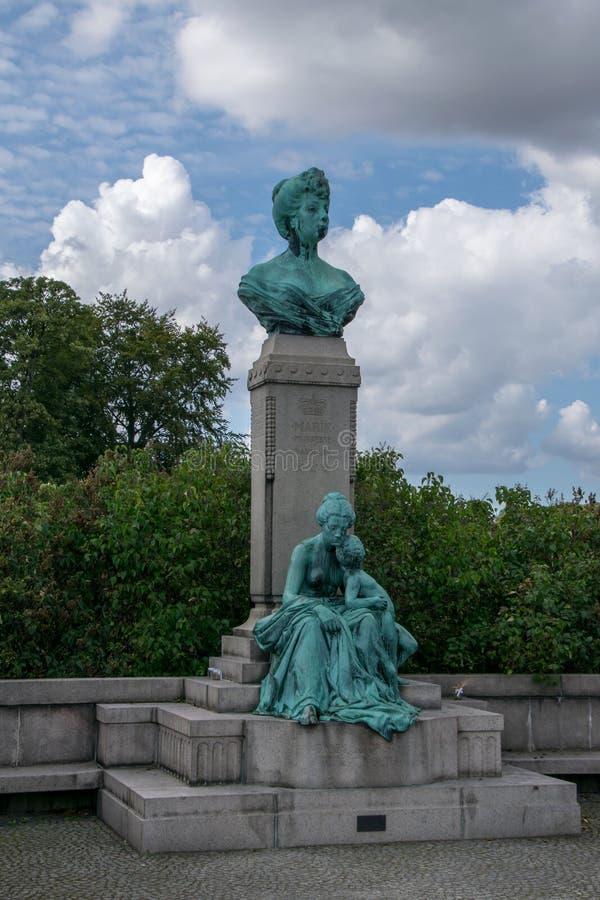 O monumento à princesa Marie de Orleans foto de stock