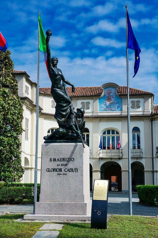 O monumento ao caído de San Maurizio Canavese imagens de stock royalty free