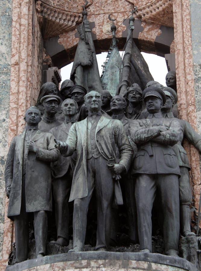O monumento da república no quadrado de Taksim, crafted pelo escultor italiano Pietro Canonica fotos de stock royalty free