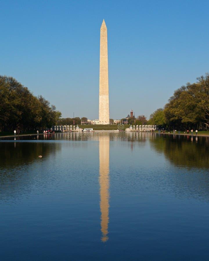 O monumento de Washington na C.C. imagens de stock