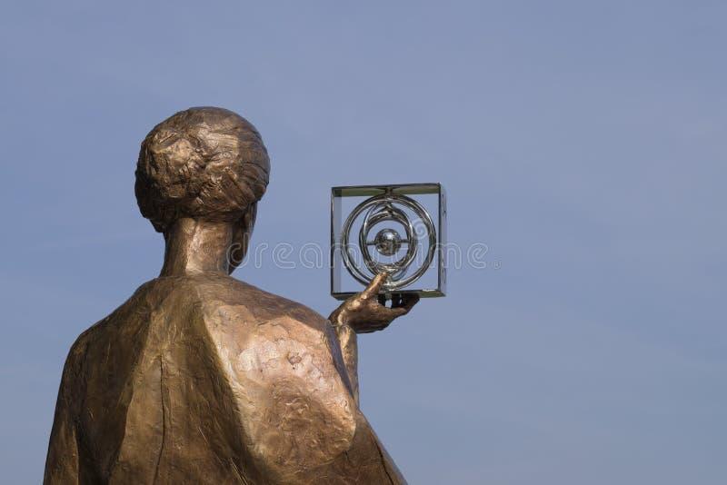 O monumento do curie em Varsóvia imagem de stock royalty free