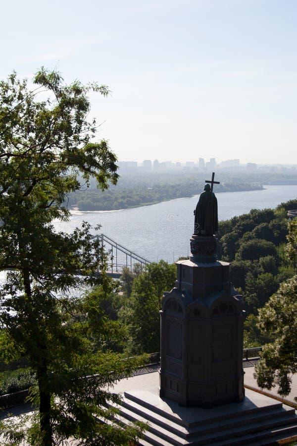 O monumento a St Volodymyr de Kiev fotografia de stock royalty free