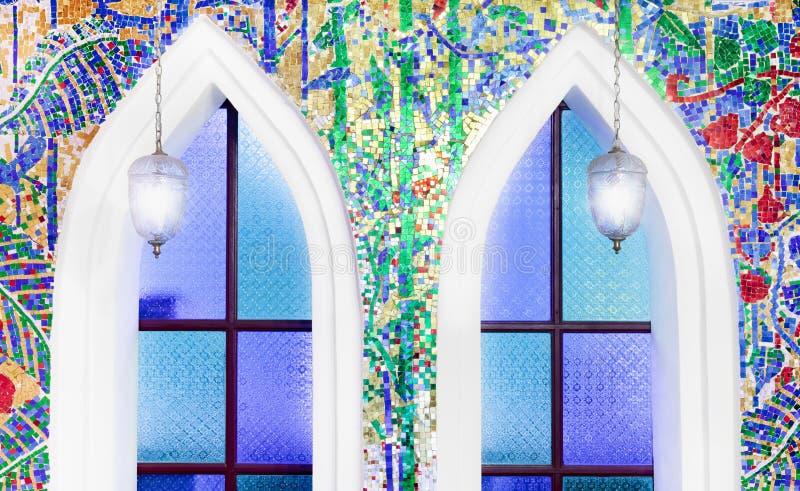 Download O mosaico decora na parede foto de stock. Imagem de linha - 16855206
