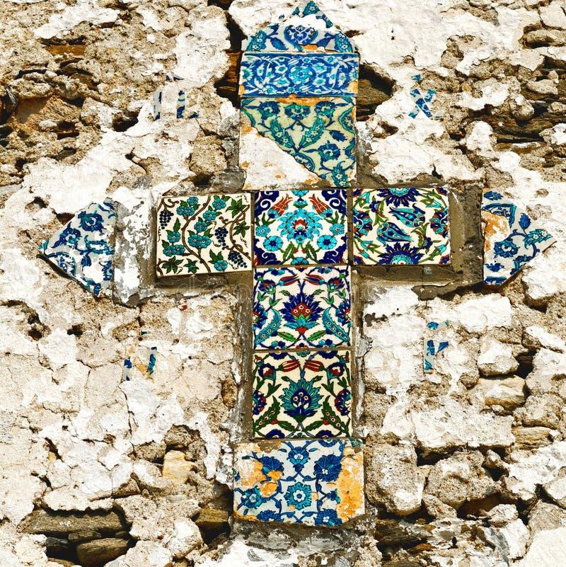 O mosaico telhou a cruz imagens de stock royalty free