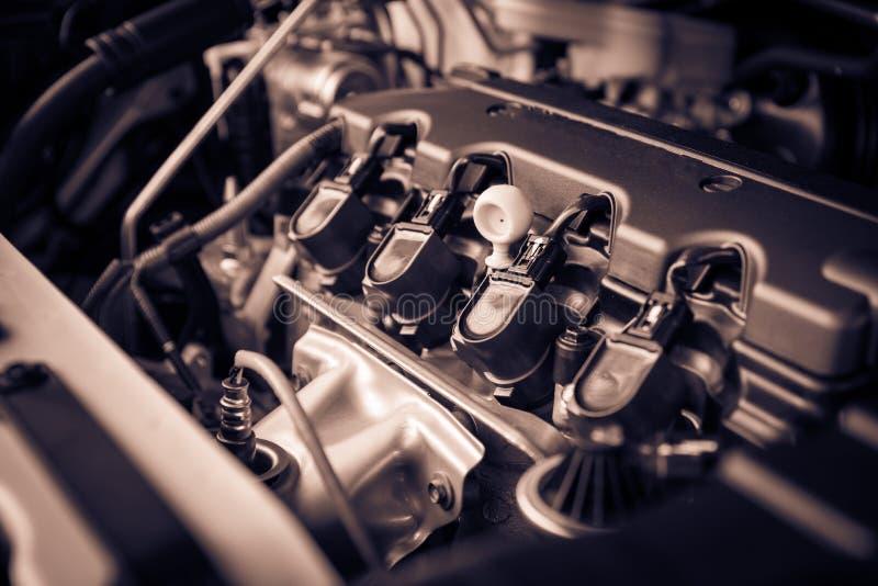 O motor poderoso de um carro Projeto interno do motor com COM fotos de stock