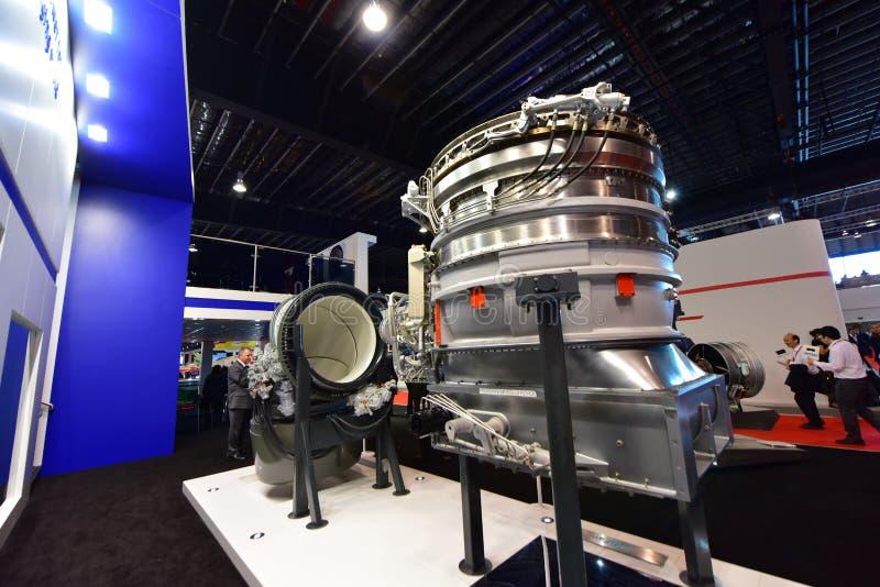 O motor Royce LiftSystem e F-135 de Rolls modela na exposição em Singapura Airshow imagem de stock