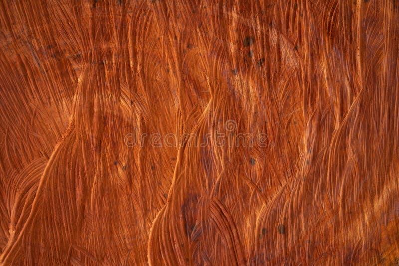O núcleo da madeira que foi cortada internamente a textura de madeira é marrom avermelhado escuro Popular como um uso da casa com imagem de stock royalty free