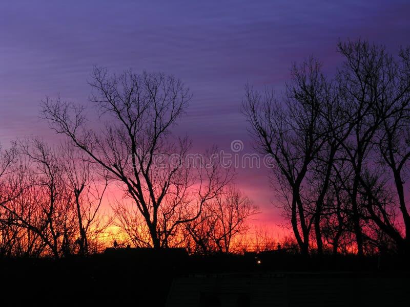 O nascer do sol colore H foto de stock
