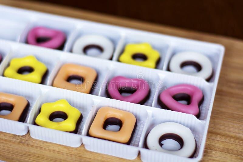 O Natal coloriu doces feitos à mão em uma forma diferente fotografia de stock royalty free