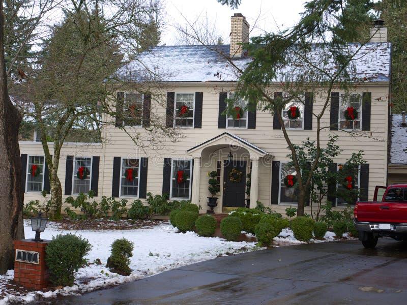 O Natal decorou a HOME luxuosa imagens de stock