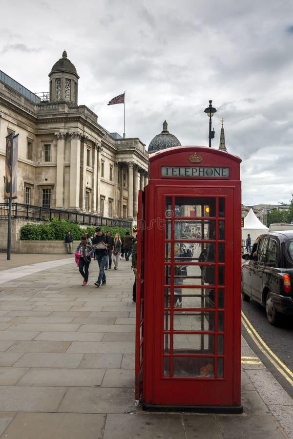 O National Gallery em Trafalgar Square, Londres, Inglaterra, Reino Unido fotos de stock