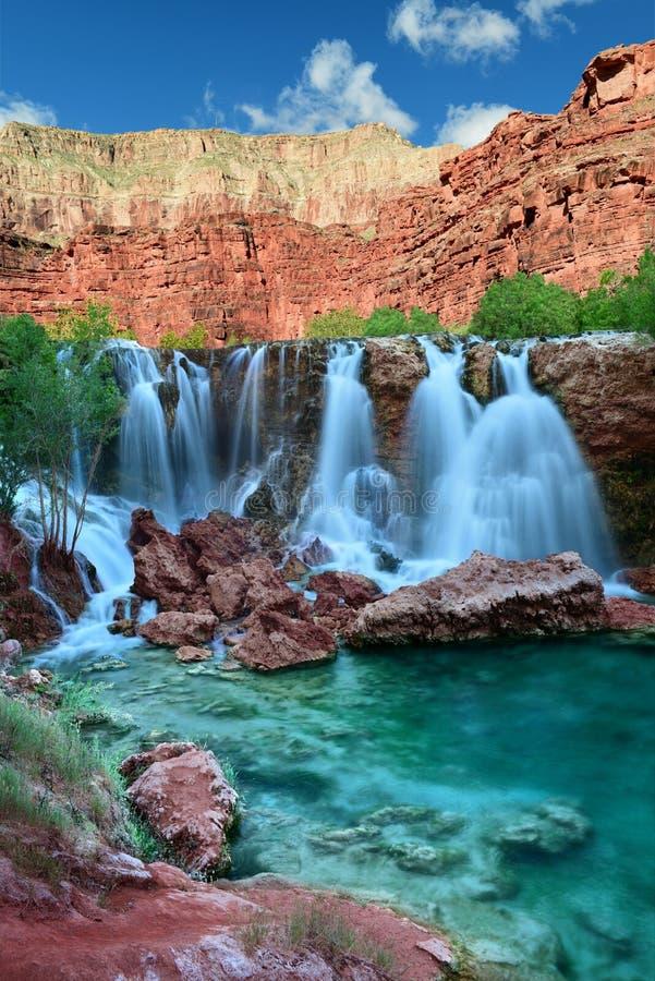 O Navajo cai na reserva indígena de Havasupai no Arizona, EUA imagem de stock royalty free
