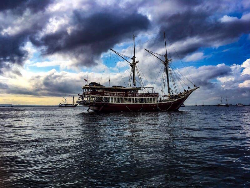 O navio fotos de stock royalty free