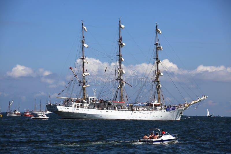 O navio alto compete 2009 - Dar Mlodziezy fotografia de stock