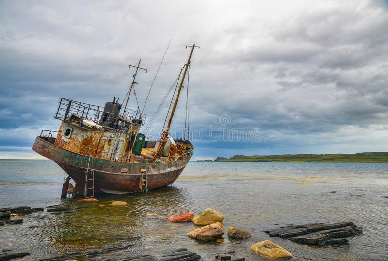 O navio jogado no norte do russo fotos de stock royalty free