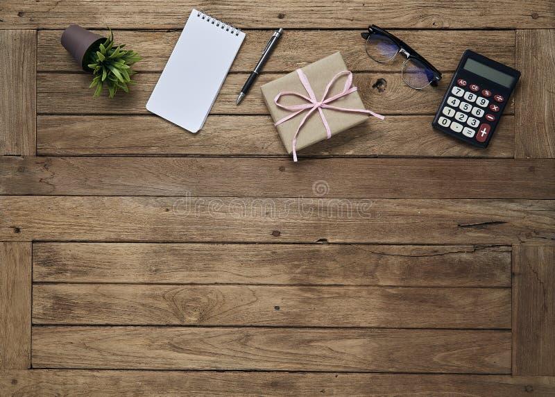 O negócio objeta o escritório na tabela da mesa foto de stock