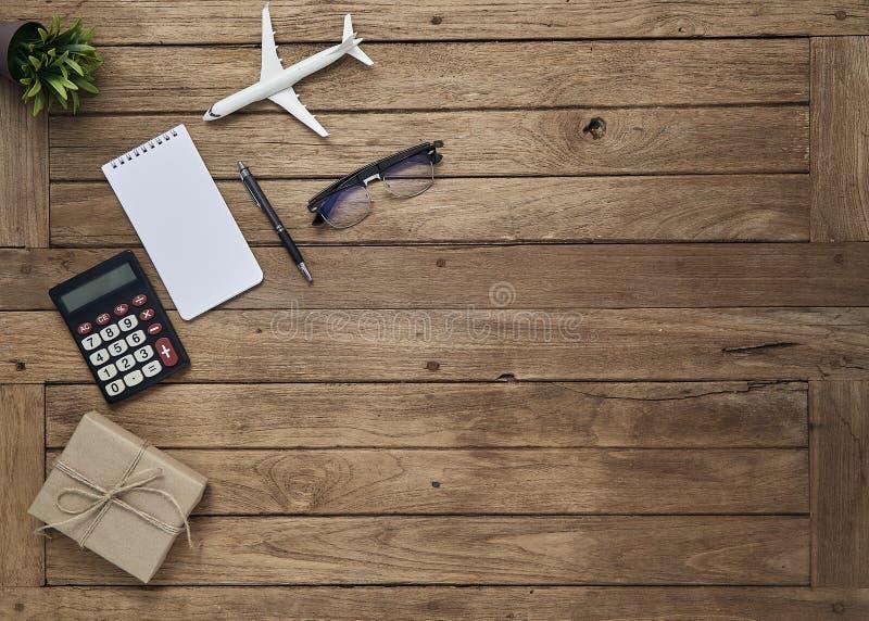 O negócio objeta o escritório na tabela da mesa fotografia de stock royalty free