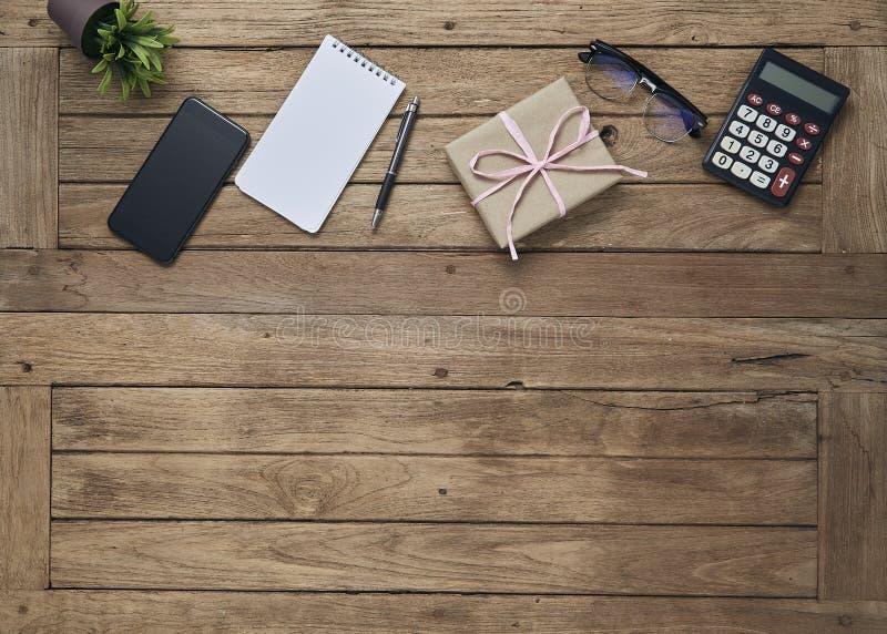 O negócio objeta o escritório na tabela da mesa fotos de stock