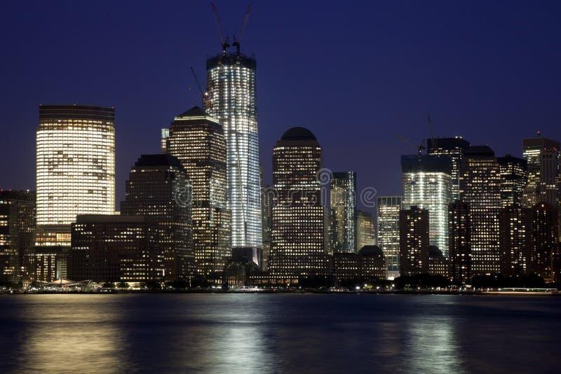 O New York City w da baixa a torre da liberdade fotografia de stock