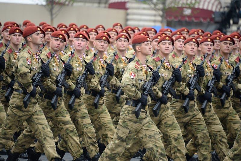 ?o?nierze oddzielny podzia? wymieniaj?cy po tym jak Dzerzhinsky gwardia narodowa gromadzi si? przy parad? na placu czerwonym na c obrazy royalty free
