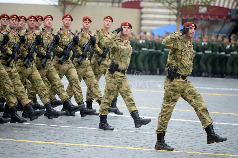 ?o?nierze oddzielny podzia? wymieniaj?cy po tym jak Dzerzhinsky gwardia narodowa gromadzi si? przy parad? na placu czerwonym na c obraz stock