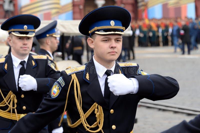?o?nierze prezydencki pu?k podczas parady na placu czerwonym w Moskwa na cze?? zwyci?stwo dzie? zdjęcie stock