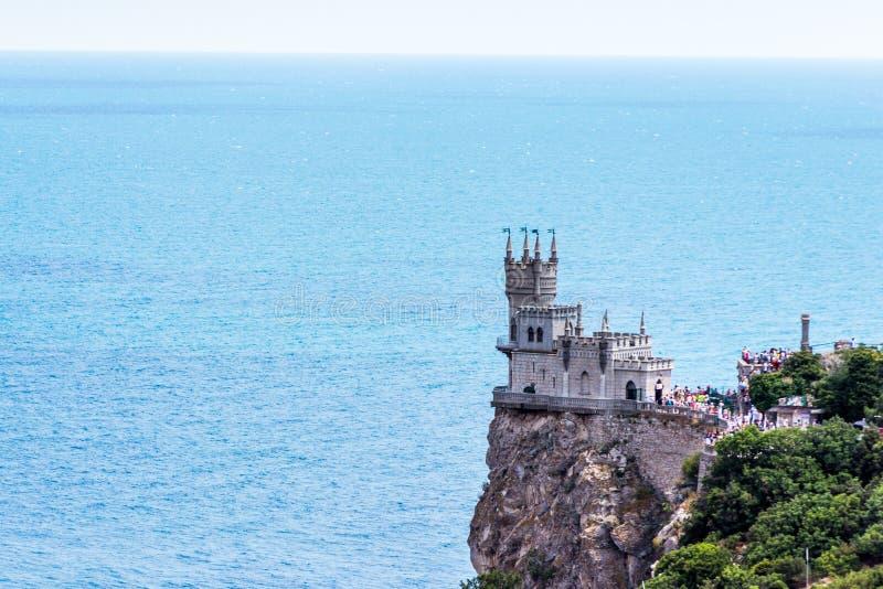 O ninho da andorinha conhecida do castelo perto de Yalta crimeia imagens de stock royalty free