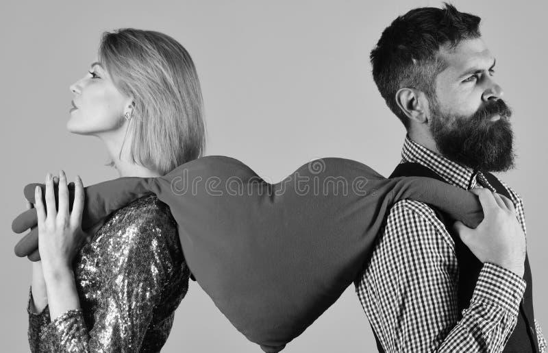O noivo e a amiga têm a ruptura Relacionamento e dia de Valentim imagens de stock
