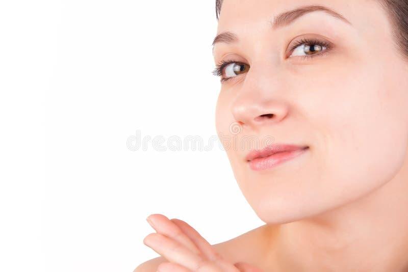 O Nude compõe da menina caucasiano nova, no branco fotografia de stock royalty free