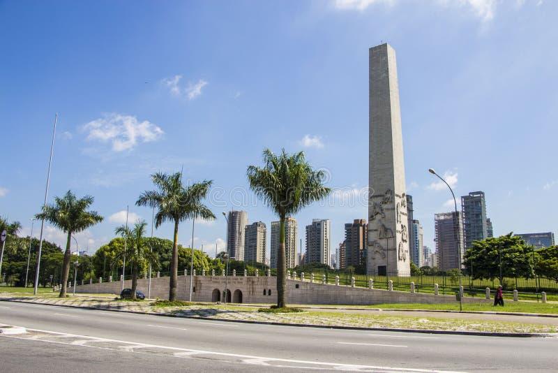 O Obelisk de São Paulo - São Paulo imagens de stock