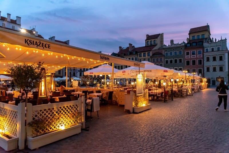 O olhar fixo velho Miasto da cidade de Vars?via ? o centro hist?rico de Vars?via fotos de stock