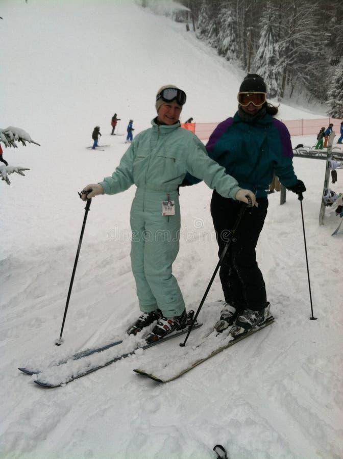 O olhar retro do esqui fotografia de stock