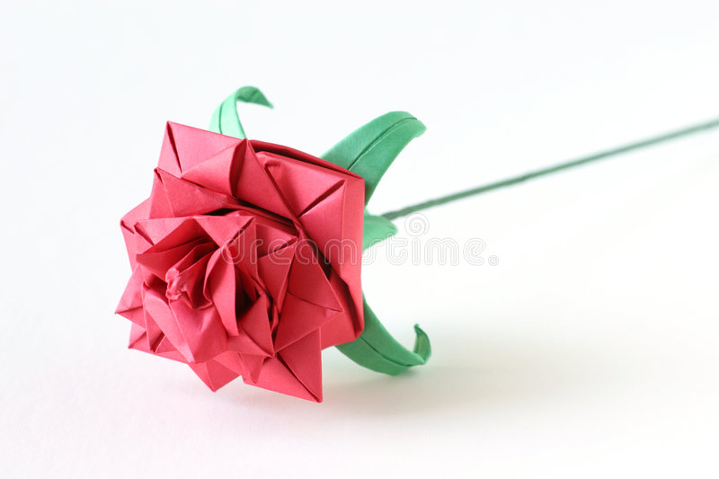 O origami vermelho levantou-se fotos de stock royalty free