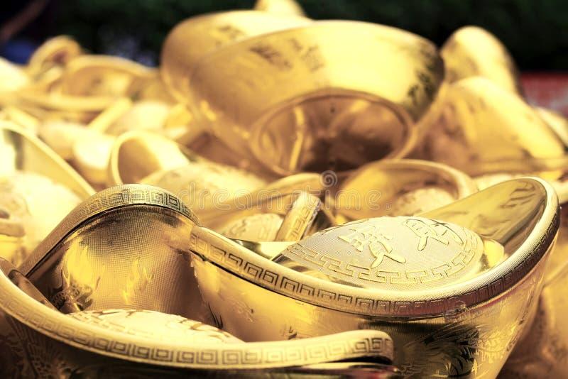 O ouro chinês Sycee com fraseio significa que todo o Preciouses entra imagem de stock royalty free