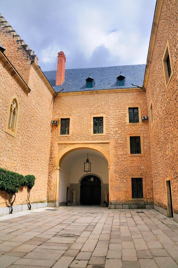 Download Pátio Do Alcazer, Segovia, Spain Foto de Stock - Imagem de historic, sustento: 29845308