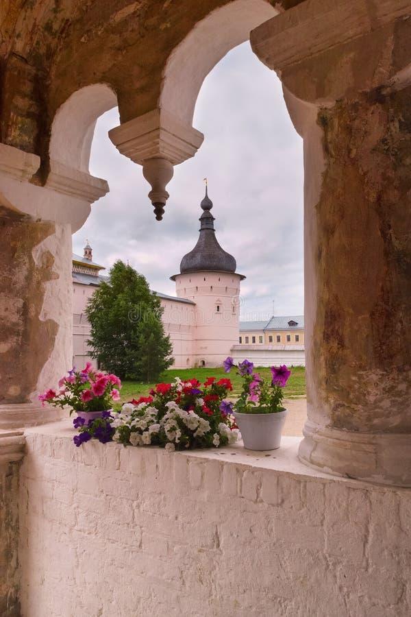 O pátio do Kremlin de Rostov imagem de stock