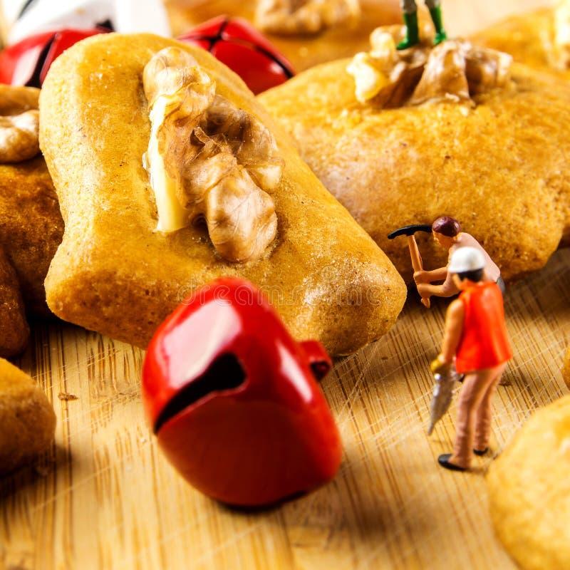 O pão do gengibre endurece o close up foto de stock