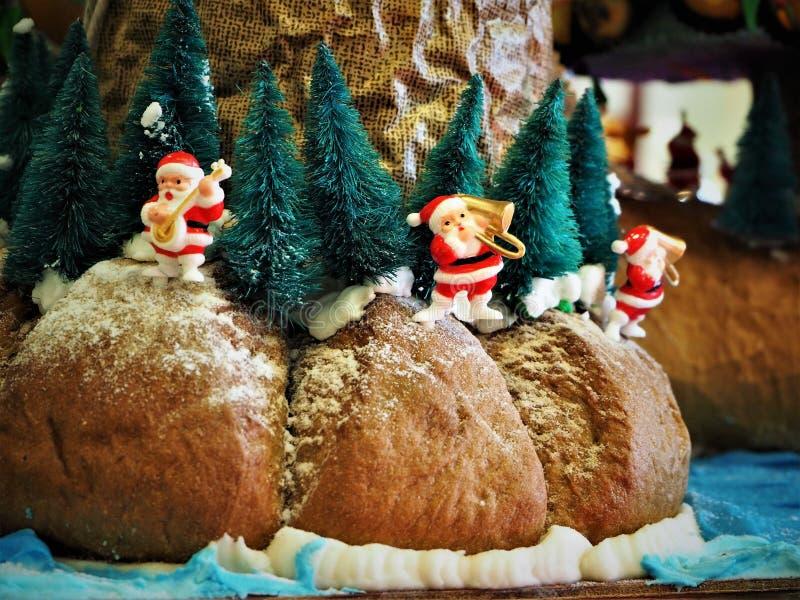 O pão fez o Natal Decolation no restaurante fotografia de stock