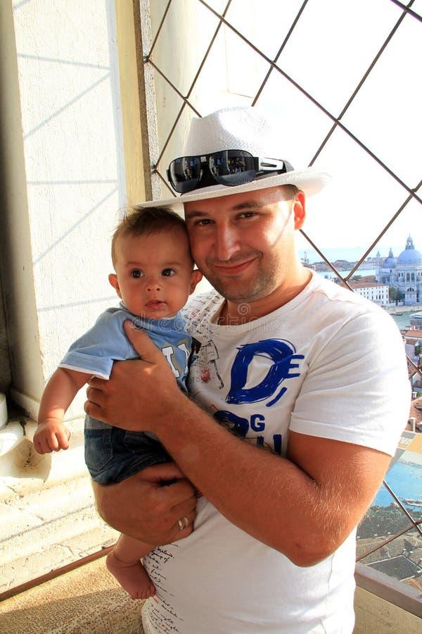 O pai com o bebê imagem de stock royalty free
