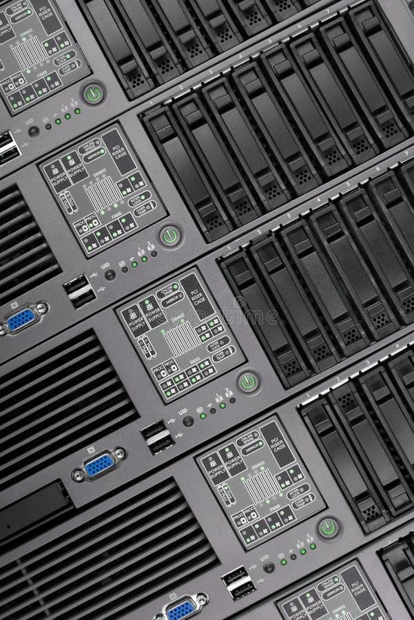 O painel frontal do close up dos servidores, tiro vertical Tecnologia do Internet fotografia de stock royalty free