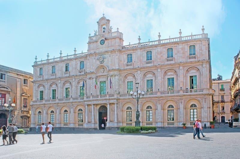 O palácio da universidade foto de stock