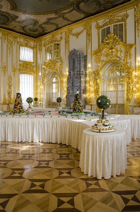 O palácio de Catherine - jantar salão dos Cavaliers - sala de jantar do Cortesão-em-Comparecimento fotografia de stock