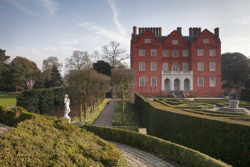 O palácio de Kew em jardins botânicos reais Londres Inglaterra Reino Unido dos jardins de Kew foto de stock