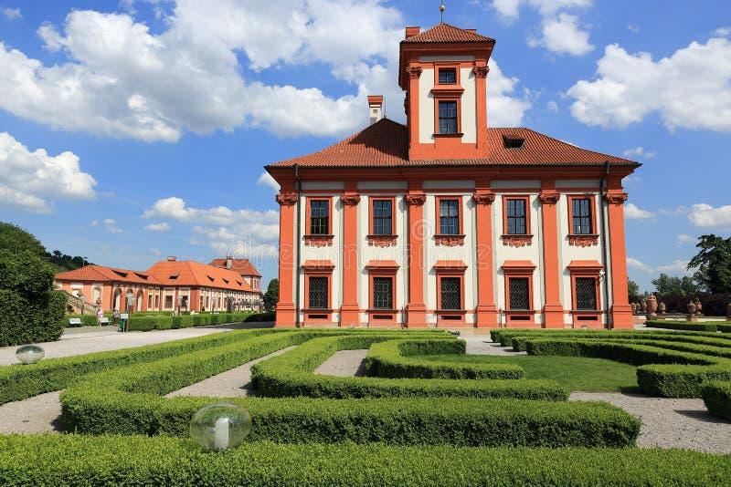 O palácio de Troja é um palácio barroco situado em Troja, a cidade noroeste de Praga (República Checa) imagens de stock royalty free